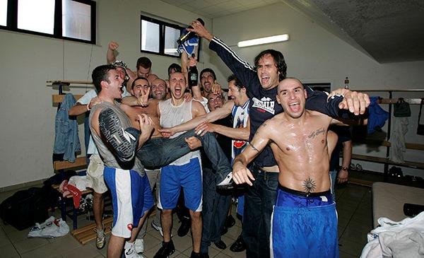 I festeggiamenti per la storica promozione in serie B